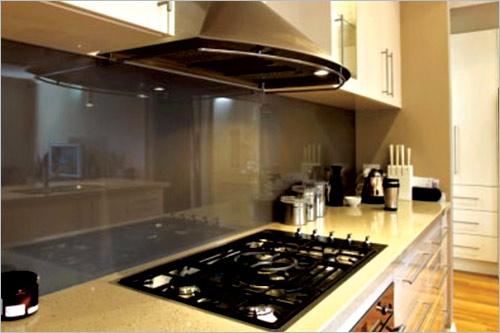 Máy hút mùi là giải pháp hữu hiệu để không gian bếp được trong sạch, giữ gìn sức khoẻ của bạn