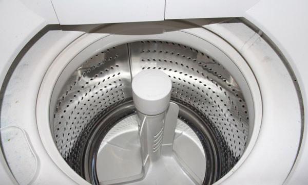 Kiểm tra máy giặt để tìm nguyên nhân máy không vắt hoặc không xả được